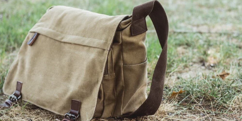 casual-messenger-bag